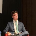 Lucas Montojo presenta el último libro del embajador Walter Astié-Burgos