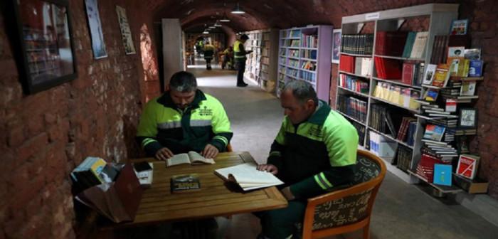 trabajadores-de-la-basura-bibleoteca