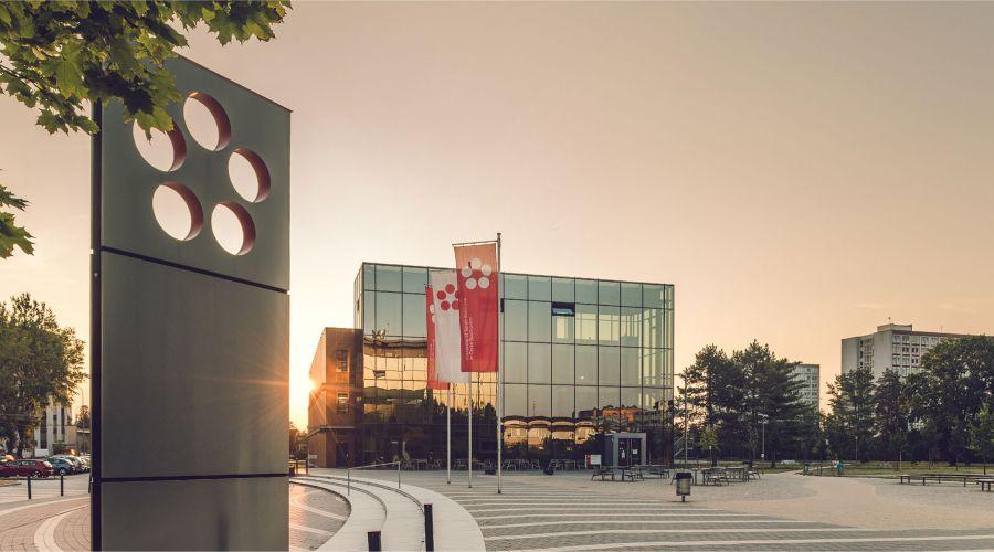Biblioteca Universidad Bohemia del Sur