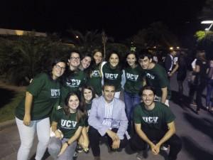 José Tena con los alumnos de la UCV