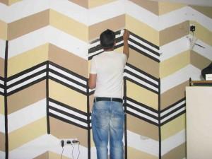 Pintando las paredes del centro