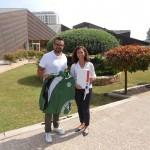 La Facultad de Enfermería dona chándales a la Fundación SASM
