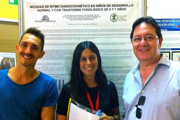 Javier Serrano y José Fco. Cervera, dos de los autores de la comunicación sobre Diadococinesis, junto con Elena Pardo, estudiante del Grado en Logopedia por la UCV