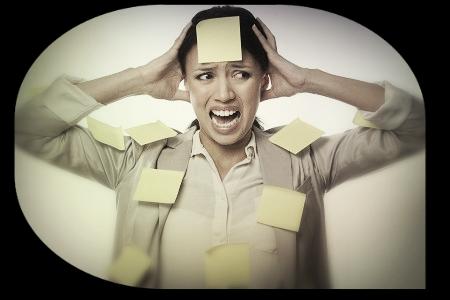 Estrés y trastorno vocal  Imagen tomada de evenblog.com (parcialmente modificada)
