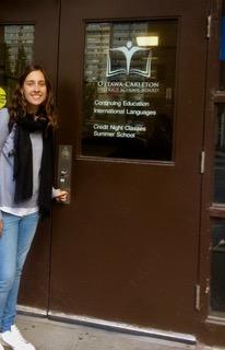 Natalia Mula en la sede del OCDSB
