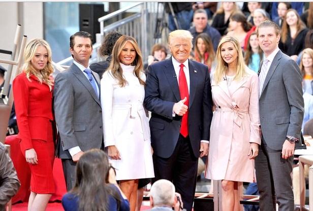 trump-con-sus-hijos-y-esposa