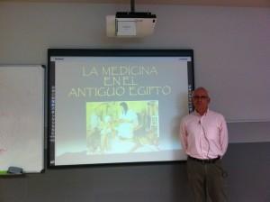 El Dr. Vicente García Fos impartió una clase magistral sobre medicina en el antiguo Egipto