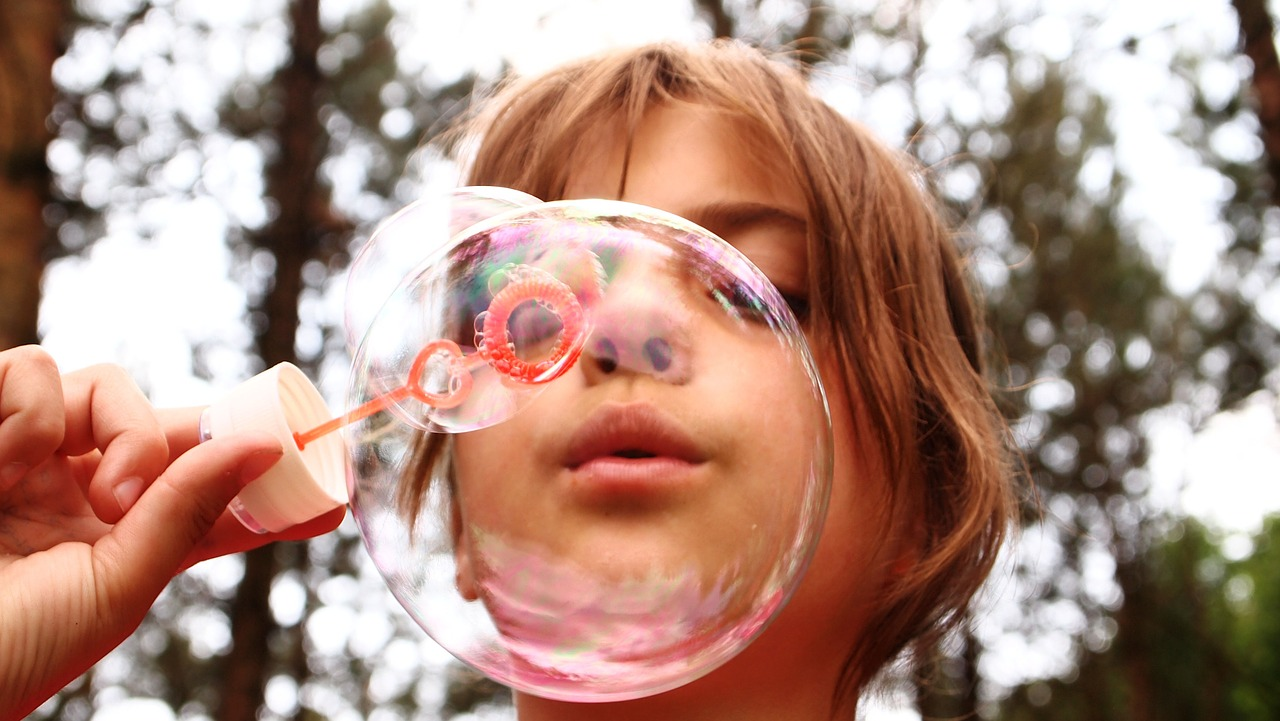 soap-bubbles-668950_1280