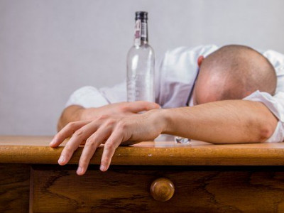 alcohol-428392__340