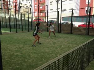 Foto 1: Alba Solá Y Lucía Olmedo jugando un partido