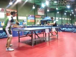 Sergio jugando contra un compañero de la UPV