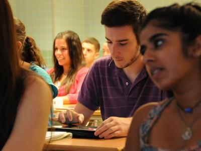 Los orientadores por sede ayudará a los estudiantes en sus estudios