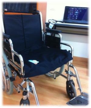 Silla de ruedas utilizada para pruebas de FSA por los estudiantes de Terapia Ocupacional de la Universidad Católica