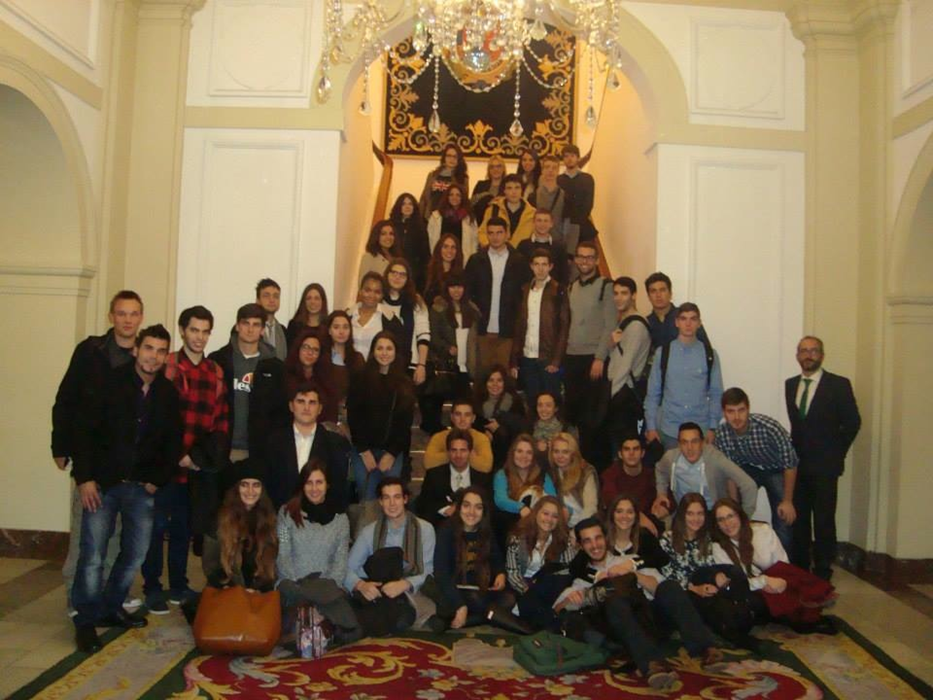 Los estudiantes de 1ºB de la facultad de derecho de la UCV realizan una vita al Senado y al Consejo de Estado