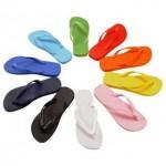Usar chanclas de forma habitual es peligroso para la salud del pie.