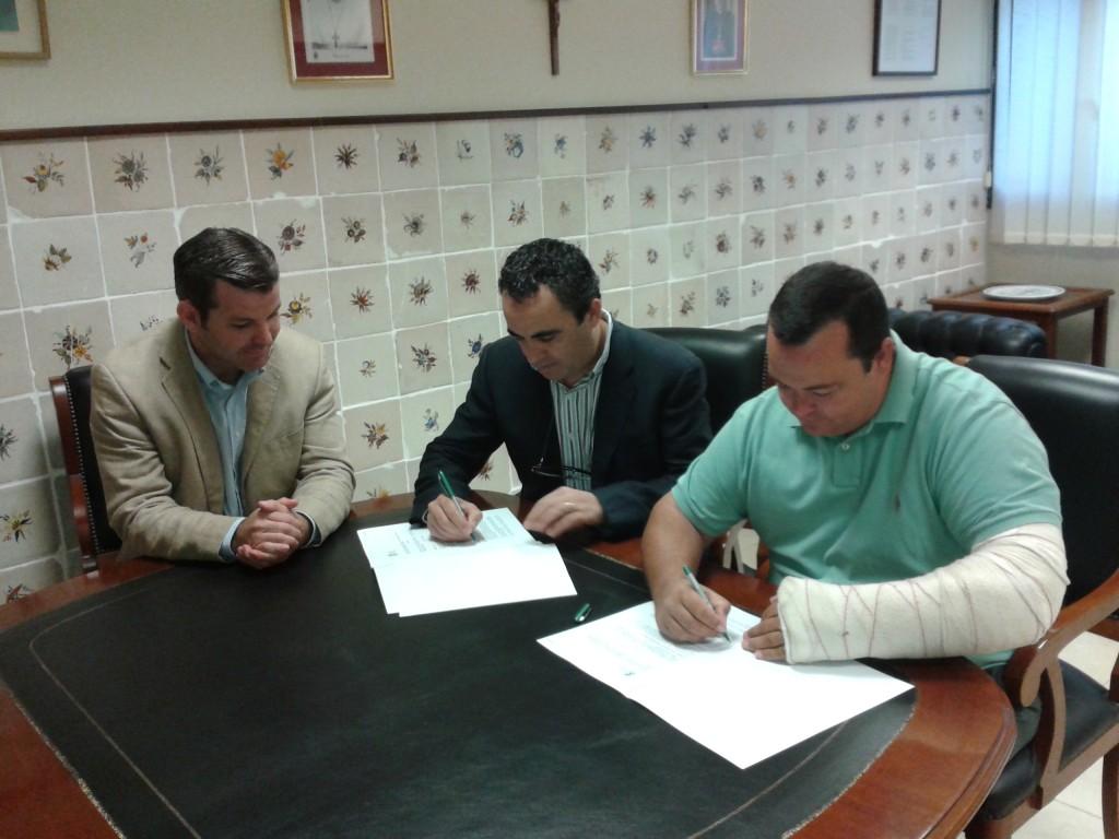 Acto de firma del convenio entre la escuela hípica Tramuntana y la Facultad de Veterinaria